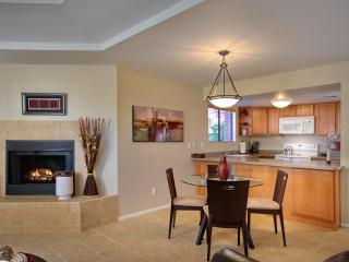 Private Catalina Foothills Condo By Sabino Canyon (MINIMUM 30 DAY STAY)