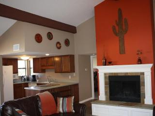 Rent This 2BR/2BA Catalina Foothills Condo! (MINIMUM 30 DAY STAY)