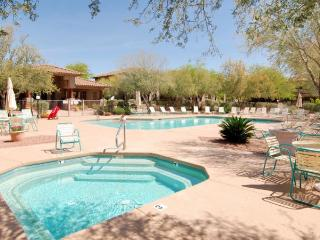 Golf Course & Mountain Views In Oro Valley (MINIMUM 30 DAY STAY)
