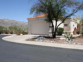 Spacious townhome offers magnificent mtn views!!!, Tucson