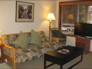 Across from the Whistler Market Place - Comfortable Accommodations & Fine Amenities (4017)