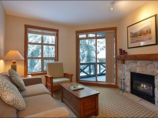 Lovely Golf Course and Forest Views - Located on Free Shuttle Route (4030), Whistler