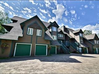 Magnificent Lake Views - Ski Lockers in Garage (6087), Mont Tremblant