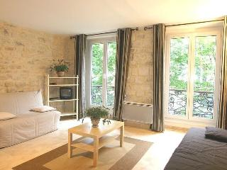 Marais 1 Bedroom - Sleeps 6 - 2 single beds/2 sofa sleeper (4595), Paris