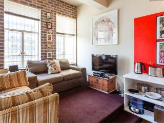 Cool City Apartment In Cape Town With Free WiFi, Kaapstad (centrum)