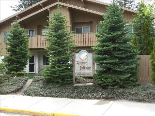 LAUTZENHAUS:$75.  A day. 30 day minimum, Leavenworth