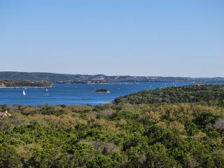 Lake Travis The Hollows Largest 3BR/3BA Villa with Beautiful Lake Travis Views!