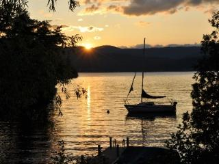 Gorgeous sunset views on beautiful Lake George!, Putnam Station