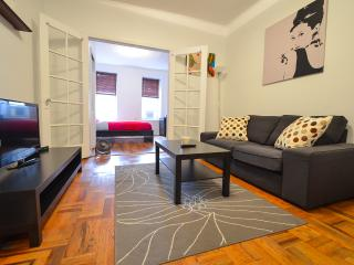 "28&3 Ave/newly Renovated-you""r Home, New York City"