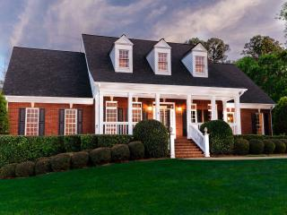 WOW,Stunning 5 BDR pool,NEW in CONYERS, Conyers
