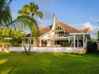 Casa Limoncillo - Luxury Beachfront Villa, Las Terrenas