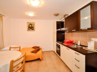 Apartments Mira - 44971-A1, Omis