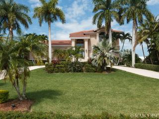 PETTIT COURT - A Boating Enthusiast's Paradise ..., Marco Island