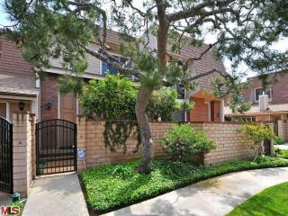 Beautiful Townhouse in quiet and relaxing residence, Marina del Rey