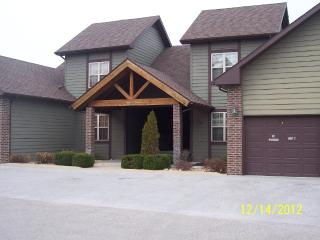 2 Bed/ 2 Bath Luxury Golf Villa Stonebridge Resort, Branson West