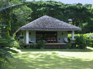 Otemanu Tu - Luxury Waterfront Cottage, Port Vila