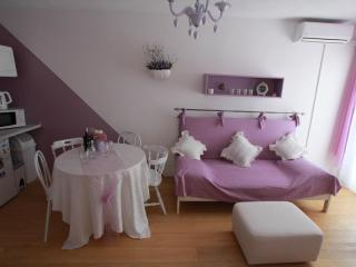 Villa Klara-Apartment Lavander, Kastel Gomilica