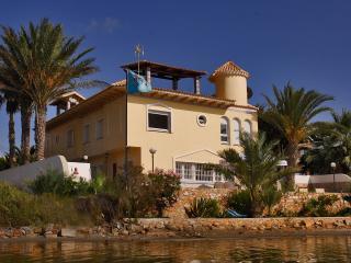 Villa Las Palmera 45, precioso y amplio chalet en km7 de la Manga del Mar Menor, La Manga del Mar Menor