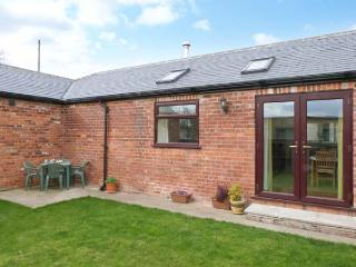1 PINES FARM COTTAGES, family friendly, country holiday cottage, with a garden