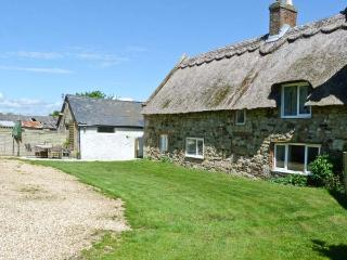 HILL FARM COTTAGE, pet friendly, character holiday cottage, with a garden in
