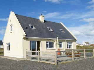 BOURKE'S COTTAGE, detached cottage with stove, views, garden, patio, en-suite, Kilbaha Ref 911927