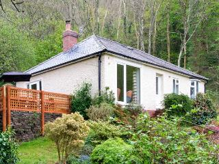 BRON ABER, all ground floor, fantastic views, woodburner, WiFi, pets welcome