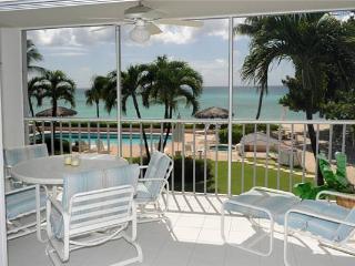 Aqua Bay Club #14- 2BR Oceanfront Condo, Seven Mile Beach