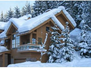 Whistler Village 4 Bedroom Luxury Home Ski In / Out Access