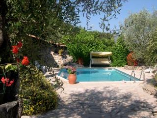 Private Apt. in villa. Heated pool, 20 Mins. Nice, Gattieres