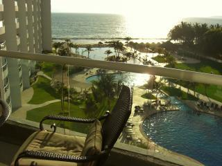 Villa Magna 6th Floor Amazing View condo!!