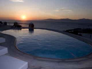 Suite Home Mykonos Villa