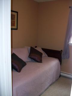 The 3rd bedroom has a day bed with trundle bed underneith.  The room can be set up with 2 twin beds.