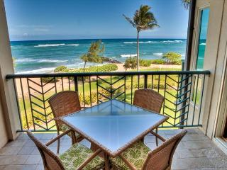A304** BEACH FRONT** A304 WOW Location x3 & FAST Wifi*****, Kapaa