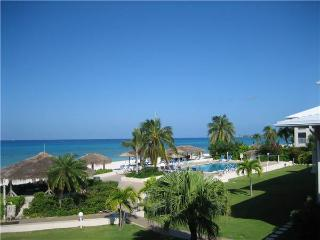 Beautiful Oceanfront Condo Directly on Seven Mile Beach-Perfect Location!!!