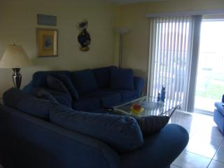 Pristine Oceanfront Condo w/bonus bathroom no drive beach.  awesone!!