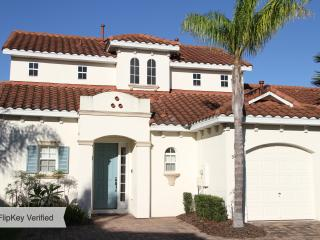 4-Bed villa close to Disney with pool & spa, Davenport