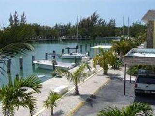 COCO PLUM GETAWAY WITH BOAT DOCK & RAMP