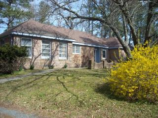 "GORGEOUS 3BR  WATERVIEW ""GINCOTEAGUE ESTATE"", Chincoteague Island"