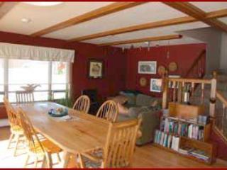 Zona de comedor y sala de estar