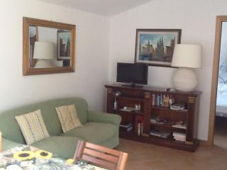 charming apartment with parking , Wi Fi