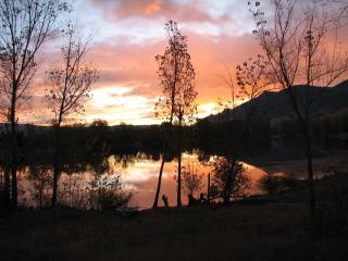Three Lakes Getaway. Beautiful Lake Front home.., Wenatchee