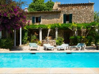 Beautiful villa with pool in Pollença