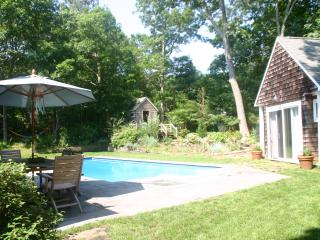 Secluded comfortable EH family home, East Hampton