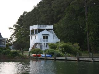 Chesapeake Bay Waterfront Cottage: Pool Pier Wifi