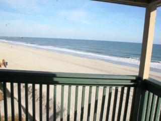 Stunning Direct Oceanfront Luxury Condo - Views from 3 windows!, Myrtle Beach