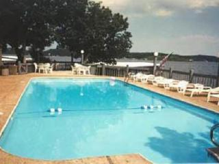2 br 2 ba Woodcrest lakefront condo BEAUTIFUL VIEW