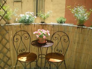 Château - delightful one bedroom apartment, Nice
