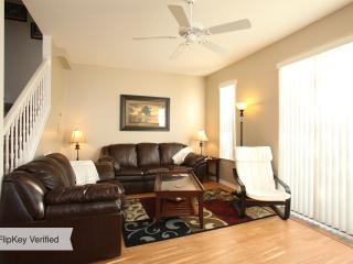 Forget The Hotel -Close to Disney - 3 bed Townhome, Kissimmee