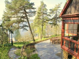 Stockholm Villa, Sea View, 10 Min to City by Car, Estocolmo