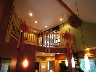 Asian Motif Lodge(large group) walking distance to Alyeska Resort